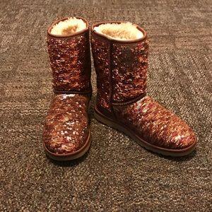 Ugg Women Classic Short Sequin Boot Size 6